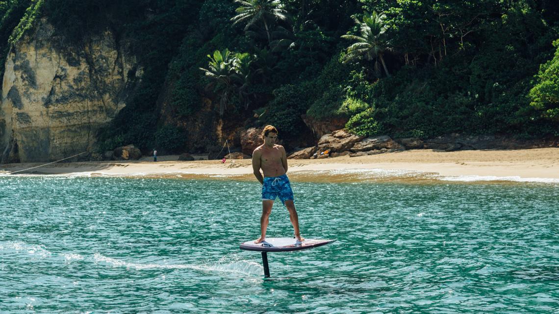 ELEKTRISCHES HYDROFOIL SURFBRETT