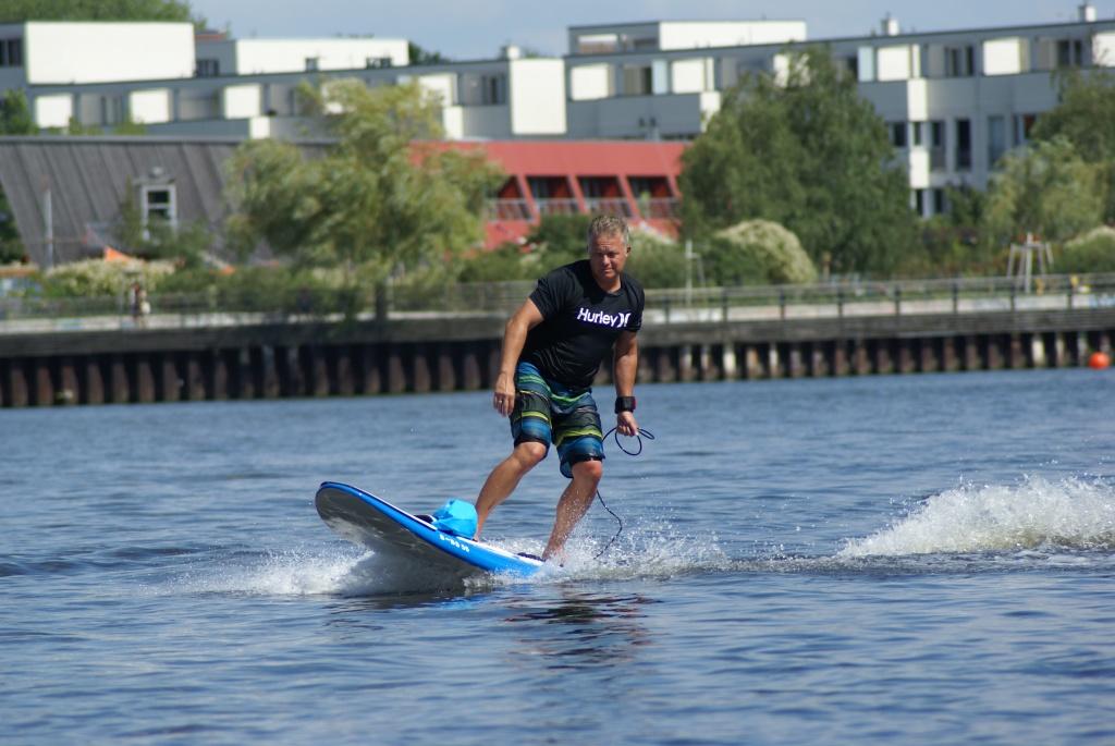 Elektro Surfer in Berlin