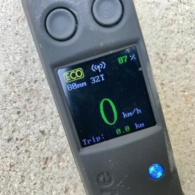 Evolve Carbon GT Display
