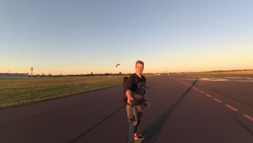 Elektro Skateboarder Nico