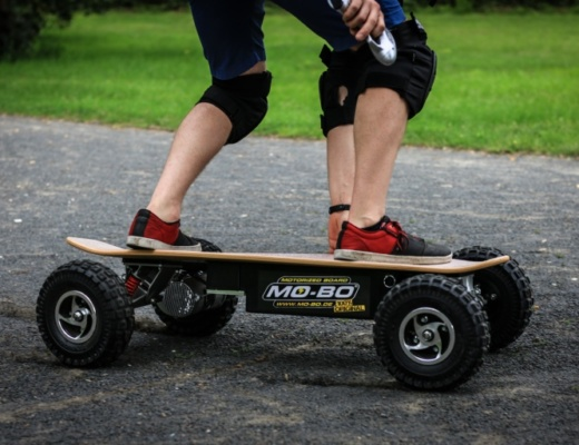 Mo-Bo electric skateboard