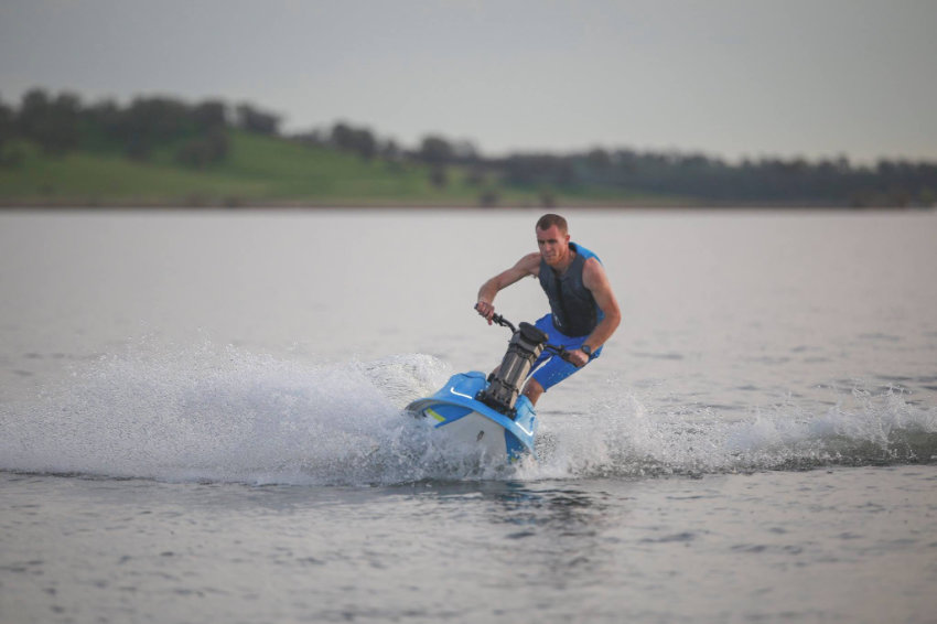 Electric stand-up personal watercraft
