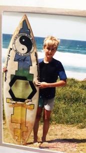 Dean Jarrett mit seinem ersten Surfbrett