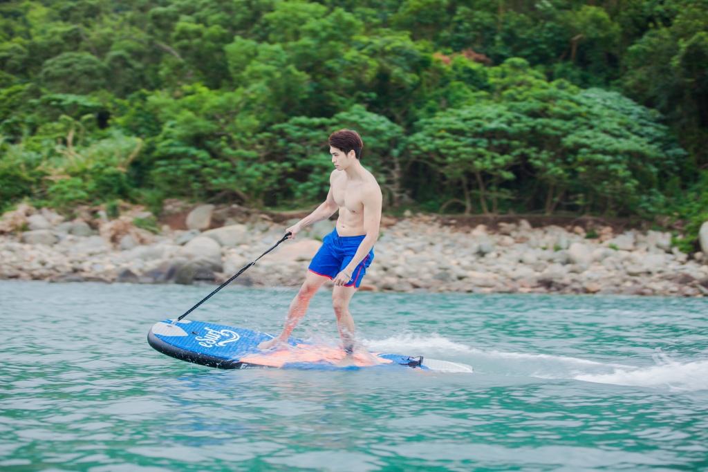 Ein guenstiges Elektro Surfbrett?
