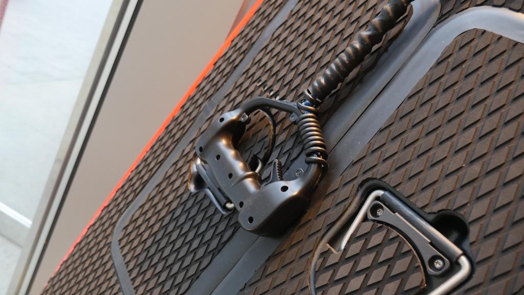 Die CURF Technology GmbH setzt auf eine kabelgebundene Hantel
