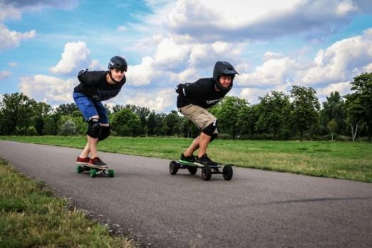 Mit dem Elektro Skateboard der Polizei zu entfliehen, empfehlen wir nicht.