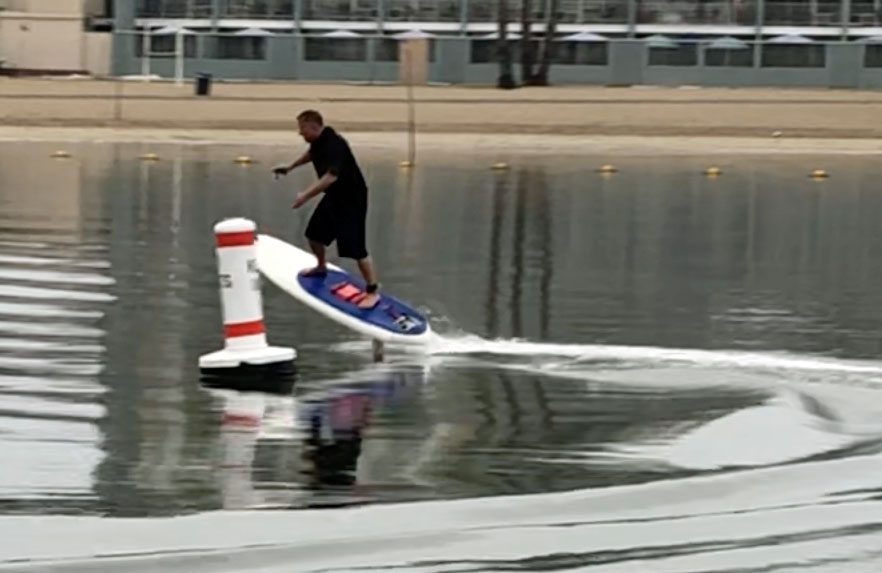 How to ride an electric hydrofoil