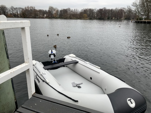 Talamex 320 with electric outboarder