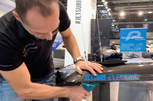 The Jetsurf Electric S and standard model are using FCS fins