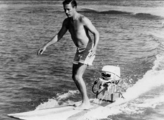Hobie motorisierte Surfboards