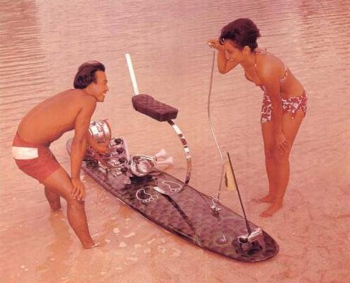 Motorisierte Surfboards gibt es ca. seit 1930