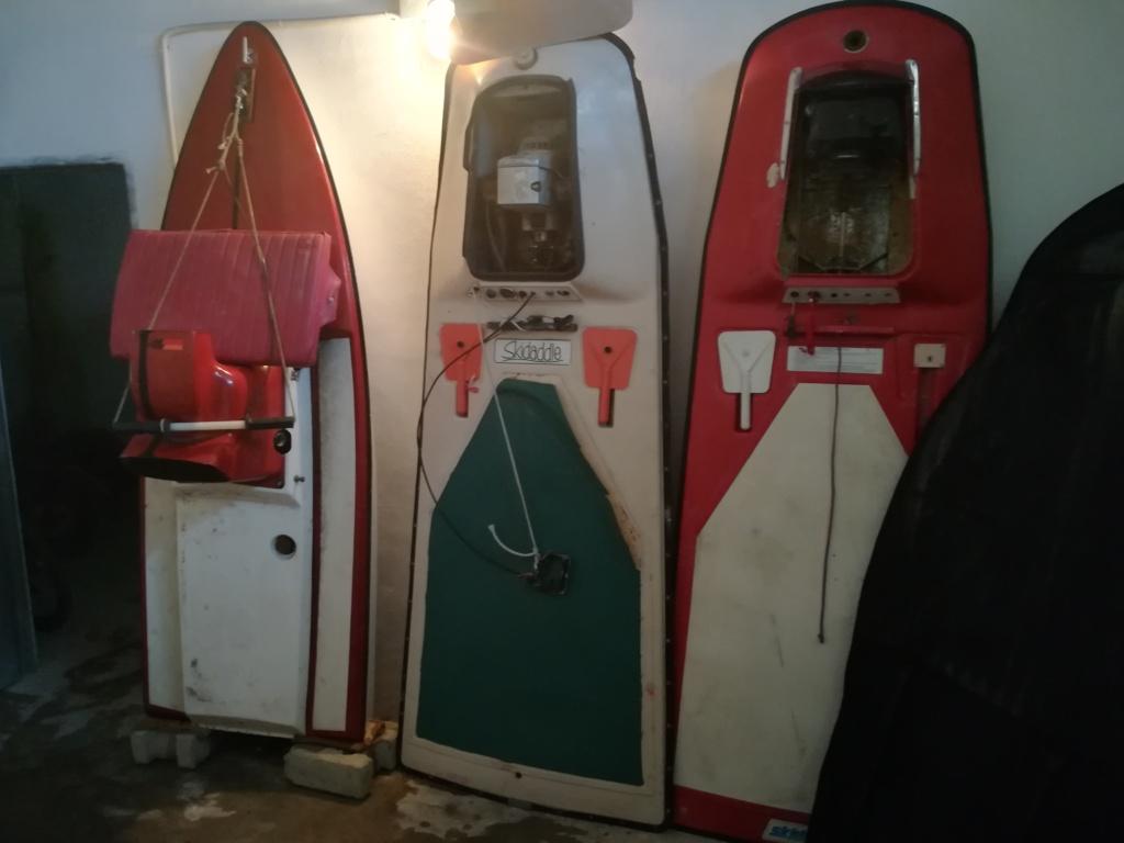Skidaddle und andere frühe motorisierte Surfboards