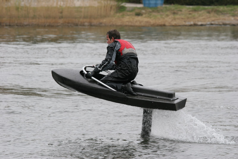 DIY electric hydrofoil projects from students