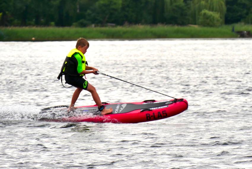 Sogar für Kinder. Auf öffentlichen Gewässern ab 16 Jahren.