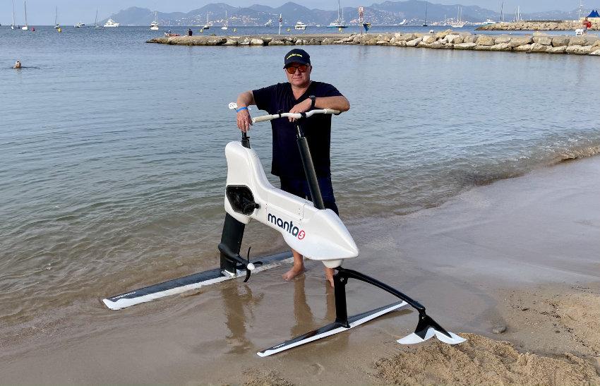 Luxury Water Gadgets - Manta 5 Elektro Hydrofoil Bike